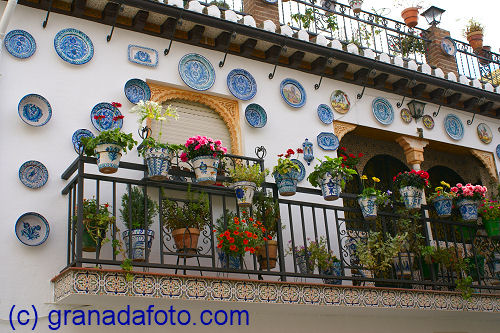 Albaicin (11) - balconies with flowers