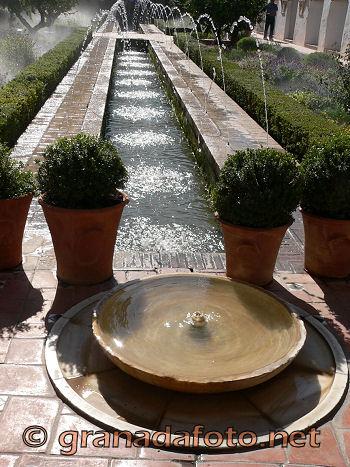 Generalife - El Patio de la Acequia