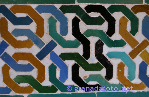 Alhambra: translational symmetry
